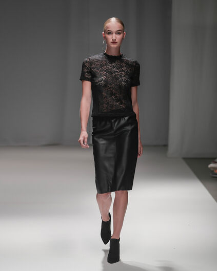 WE X NINA DAMES FAUX LEATHER PENCIL SKIRT Zwart