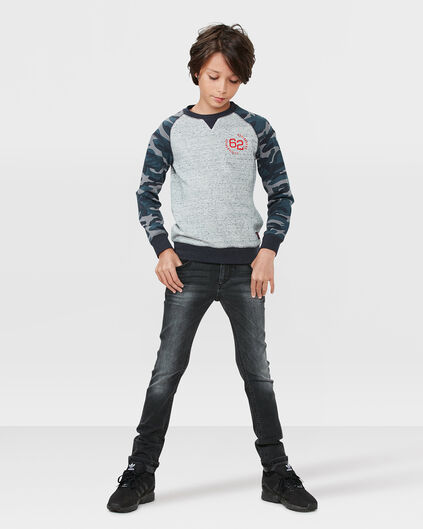 Up for your consideration is a pair of Gap Kids boy's skinny jeans. The jeans are a size 5 and they are 86% cotton, 13% polyester, 2% spandex. The jeans are s2w6s5q3to.gq have a latch, zipper, and an.
