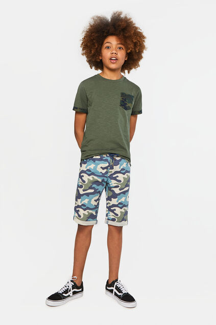 Jongens chino short met camouflagedessin All-over print