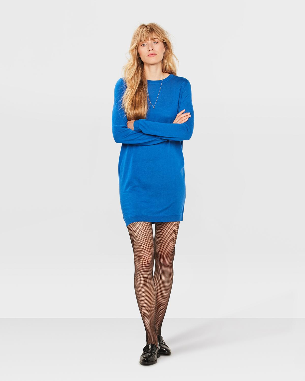 1d75d1fe8b6df3 Fijn aan deze jurk tot boven de knie  het is gemaakt van 100% merinowol. De  trui ziet er rijk uit