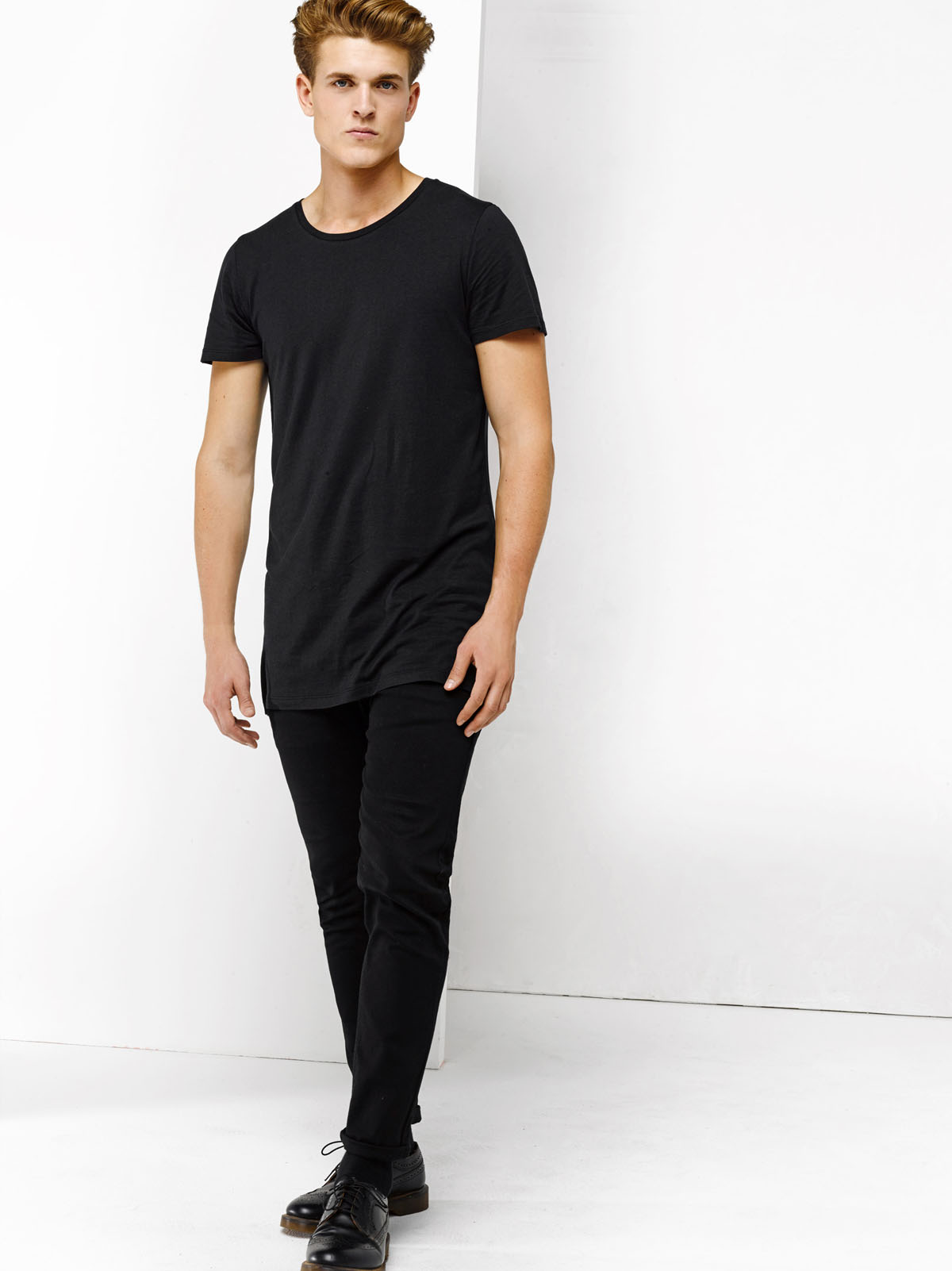 607cc659a9d HEREN EXTRA LONG FIT T-SHIRT | 78447332 - WE Fashion