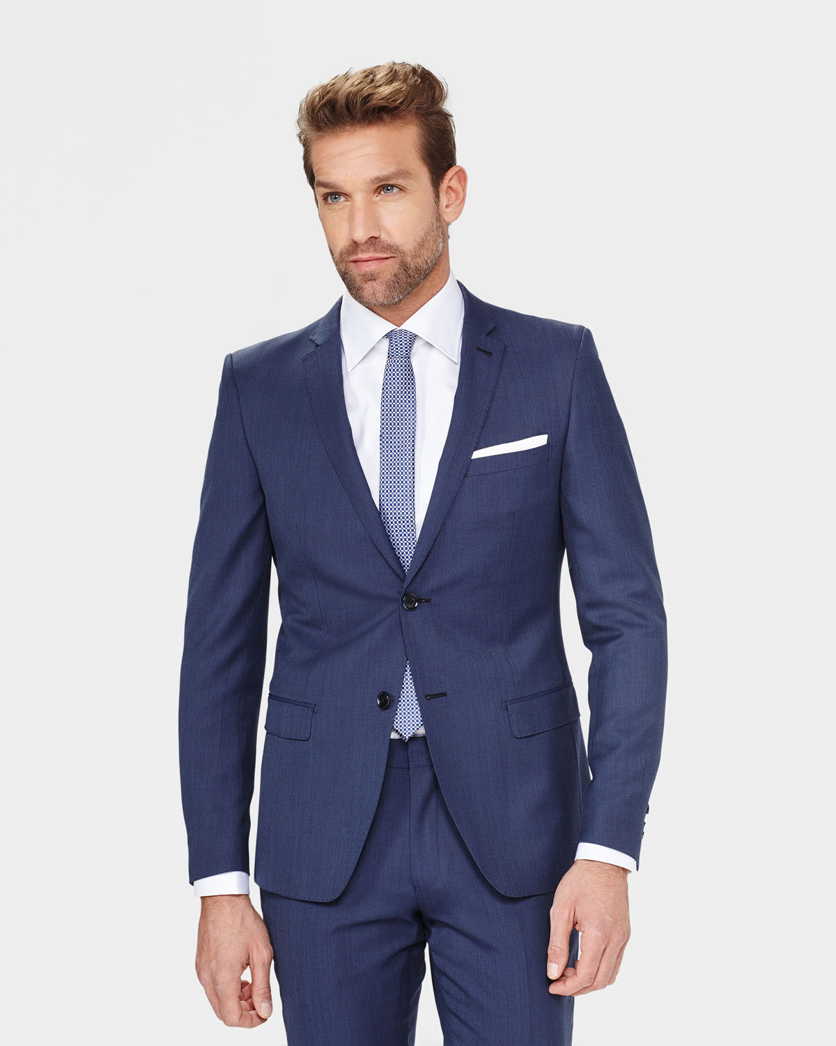 Find slim fit clothing for men in today's top styles from Banana Republic. For Men Who Want a Sleek, Comfortable Fit. Shop Banana Republic to find a wide range of fashionable slim fit clothing for men, including casual shirts, fitted dress shirts, dress pants, modern slim fit suits and more.