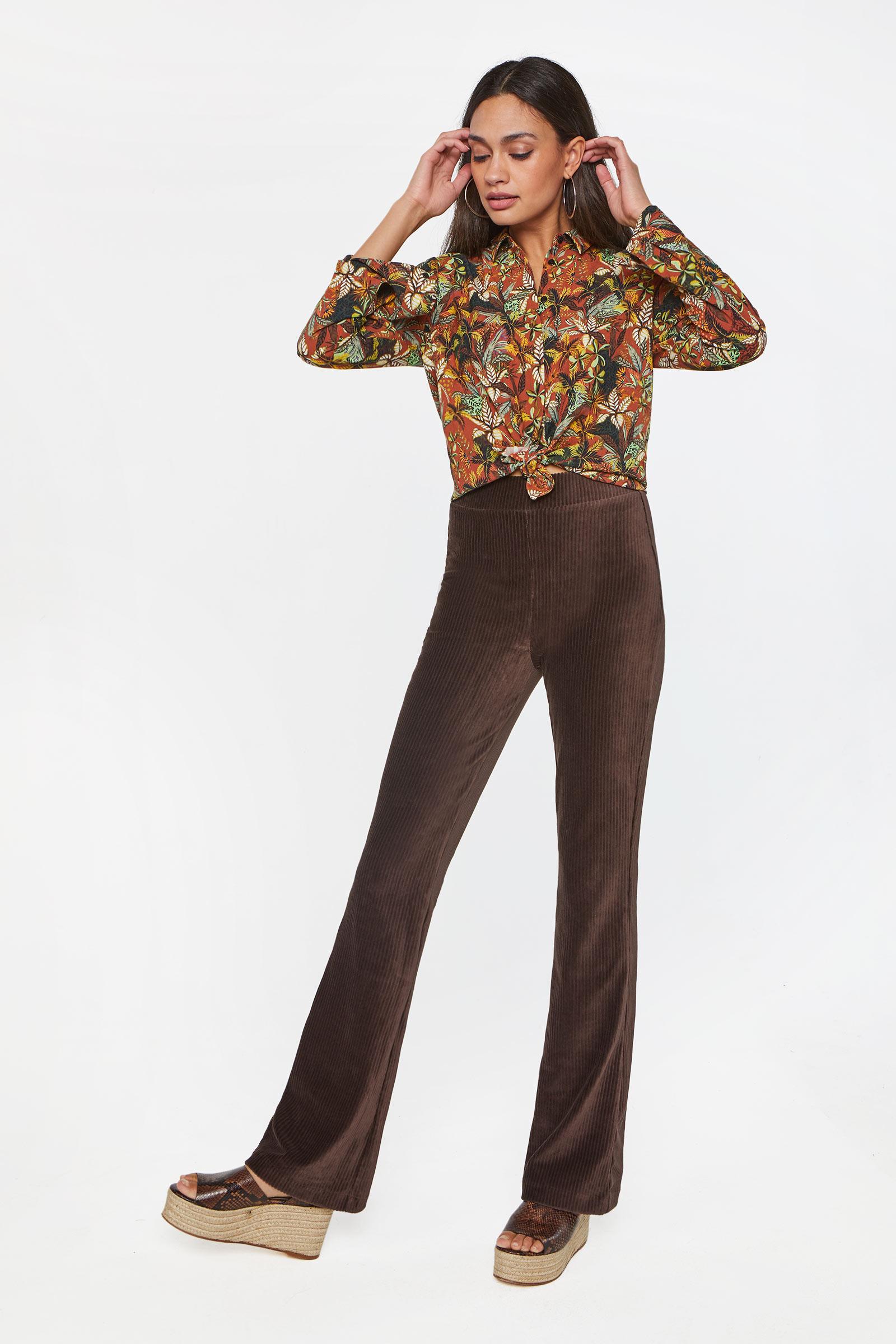 Dames flared broek van ribstof   95348964 WE Fashion